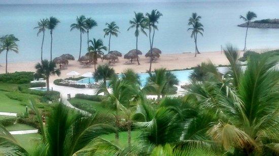 Essenza Retreats At Punta Palmera: Piscina e praia