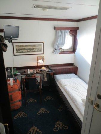 Malardrottningen Yacht Hotel and Restaurant: Room at the Malardrottningen Yacht Hotel