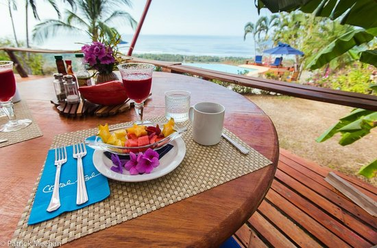 Cristal Azul: Breakfast with a view