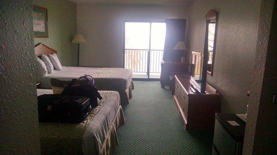 Beachfront Hotel Houghton Lake Michigan: Very nice and comfortable accommodations