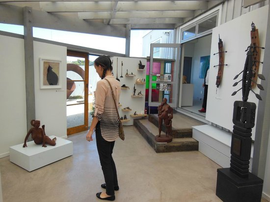 Art Gallery Visit with Ananda Tours