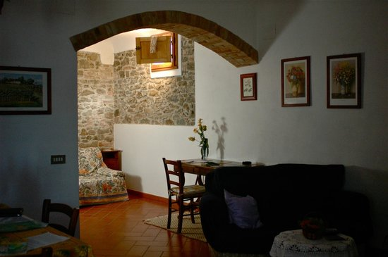 Agriturismo I Casalini: dining and living room