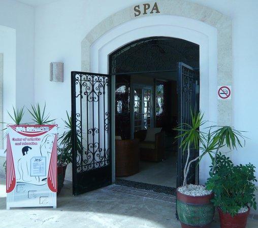 Plaza La Estrella : Please enter