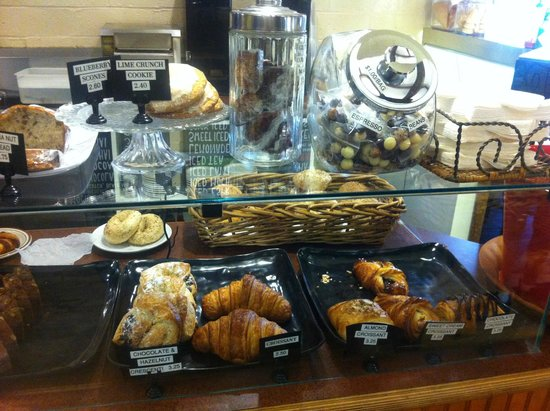 Rogue Valley Roasting Co.: Yummy pastries, especially the hazelnut crescent