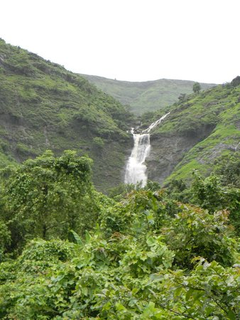 Karjat, Indien: Bhivpuri Secret Waterfall Asagaon
