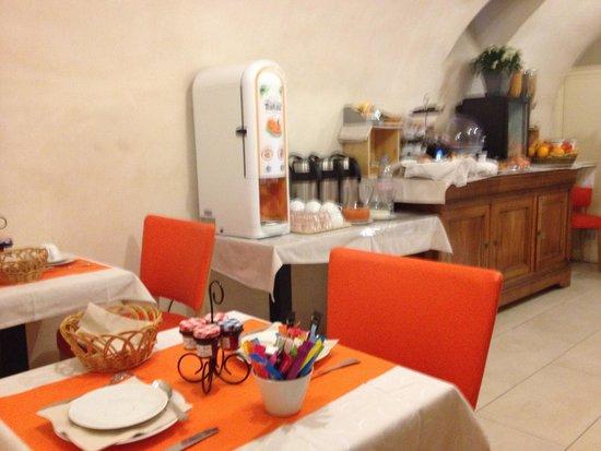 Le Relais Saint Charles: Desayunador