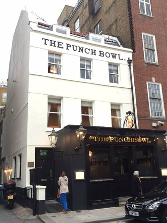 The Punchbowl: nice location in mayfair