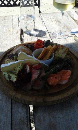 Poppies: The delicious mezze platter