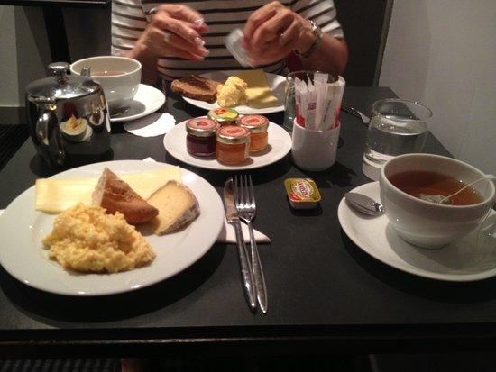 Hotel le Senat: Breakfast at le Senat