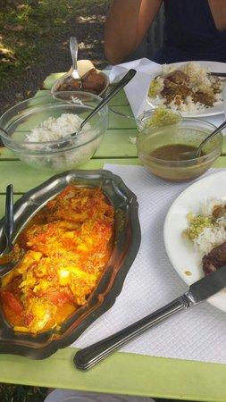 Carry poisson rouge et roti porc palmiste...délicieux