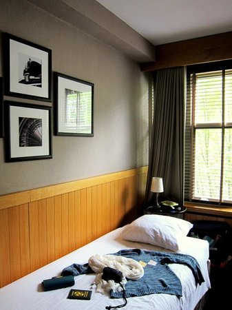 BEST WESTERN Delphi Hotel: additional bed