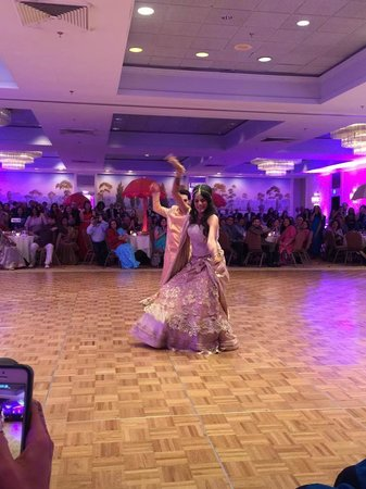 Stamford Marriott Hotel & Spa: Partial View of Ballroom during Dance Performances