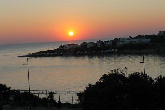 Hôtel Belle-Vue : Coucher de soleil depuis le balcon