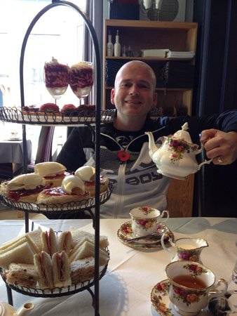 The Dovedale Hotel and Restaurant: Birthday afternoon tea:-) x