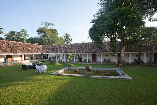Tamarind Hill: Courtyard