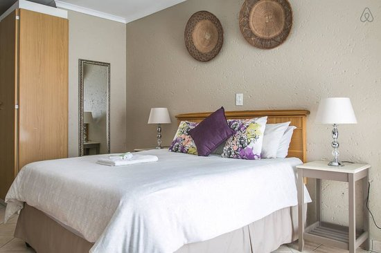 Fountain Hill Guest Lodge: One of our gorgeous Double rooms