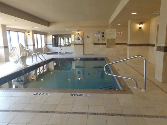 Hampton Inn Waco North: indoor pool area