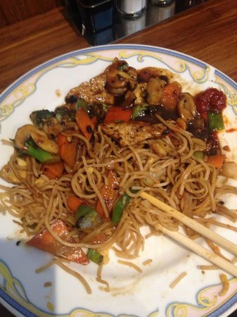 Yu Family Kitchen: egg  noodles with vegetables