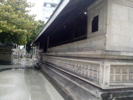 Hukuru Miskiiy (Old Friday Mosque): coral walls