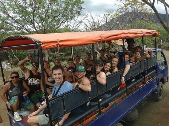 Cerro Negro Volcano: la partenza .. tutti in camion !