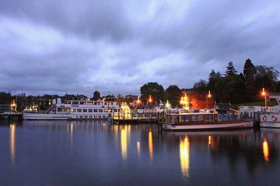 Storrs Gate House: Bowness Bay at dusk