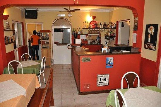 Ca' Luisa : bar and Kitchen door