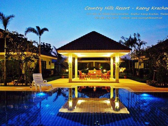Country Hills Resort: Swimming Pool