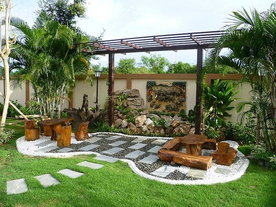 Country Hills Resort: Garden