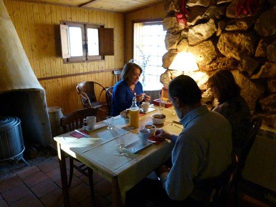 Cortijo Puente Faco: Zona común para desayunar