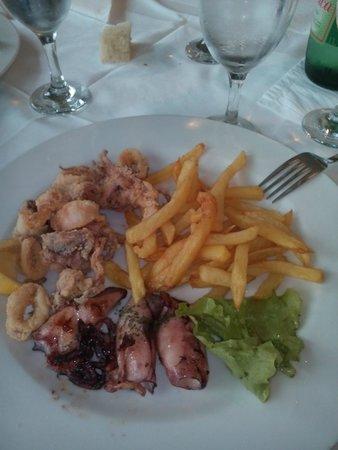 Vidikovac: calamari fritti e alla griglia con patate
