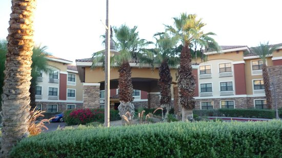 Extended Stay America - Palm Springs - Airport: The front of ESA.