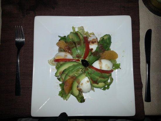Restaurant d'Orient et d'Ailleurs: salade d'avocats - 60 DH
