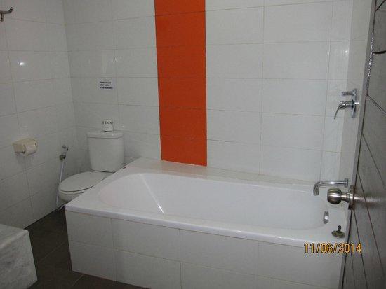 Abian Kokoro: Bath tub