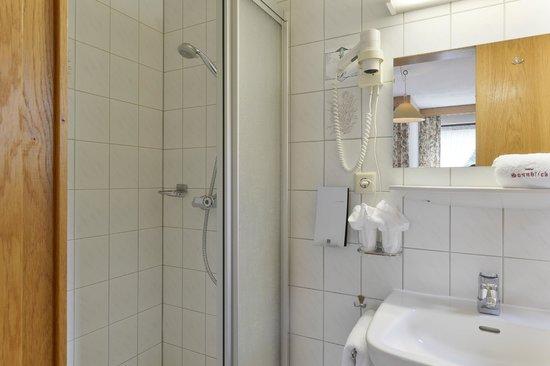 Hotel Landhaus Sonnblick: Double room, bath room
