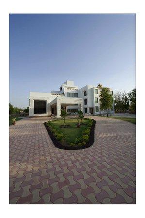 Lariya Resort: Morning View