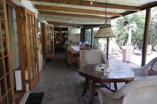KhashaMongo Guesthouse: Hier wird morgens zusammen mit anderen Gästen gefrühstückt