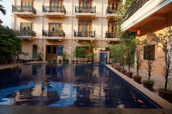 Rithy Rine Angkor Hotel: kolam renang yang cukup nyaman..