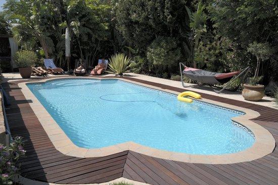 KhashaMongo Guesthouse: Der Pool