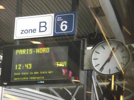 Plataforma da esta o gare du nord photo de gare du nord for Agence avis gare du nord