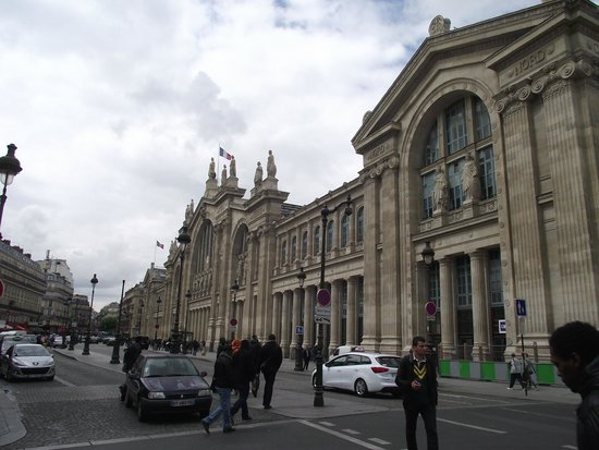 au sous sol il y a des magasins picture of gare du nord paris tripadvisor. Black Bedroom Furniture Sets. Home Design Ideas
