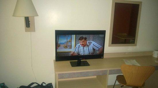 Motel 6 Atlanta Northwest - Marietta: Flat Screen Tv