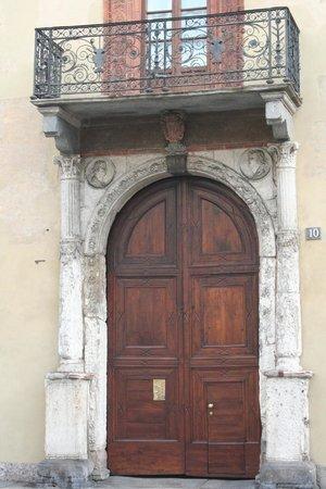 Casa Fontana Silvestri: portale