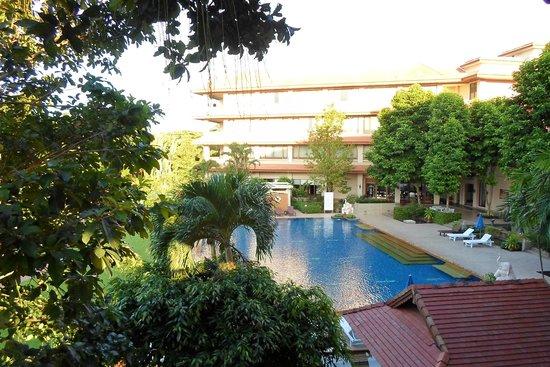 The Imperial River House Resort : L'affaccio sulla piscina