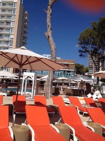 Vista da praia para o Nikki Beach Mallorca