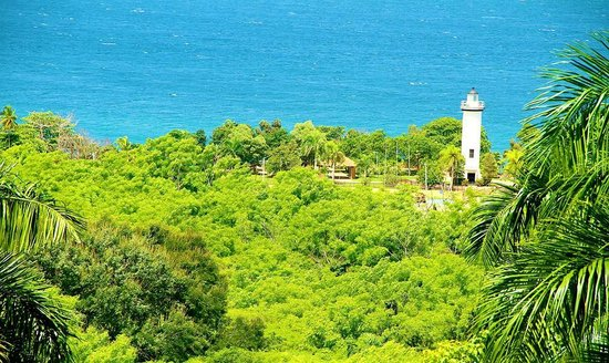 Desecheo Inn: View of El Faro Lighthouse