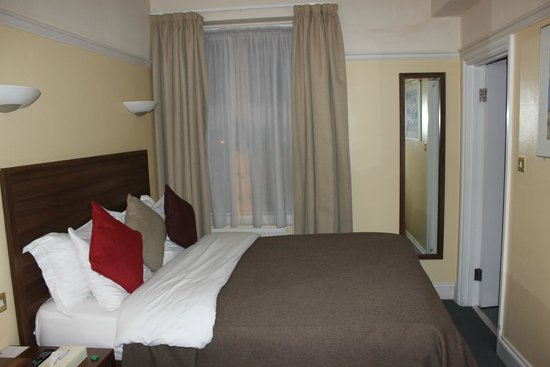 Royal Oxford Hotel : Comfy Bed (Room 208)