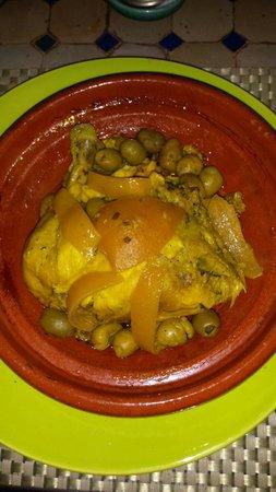 Riad Couleurs Du Sud : Tajine poulet olives citrons confits :  un délice