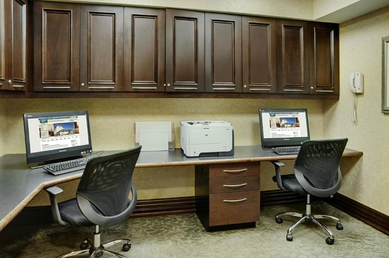 Homewood Suites by Hilton Burlington: Work stations in the business center