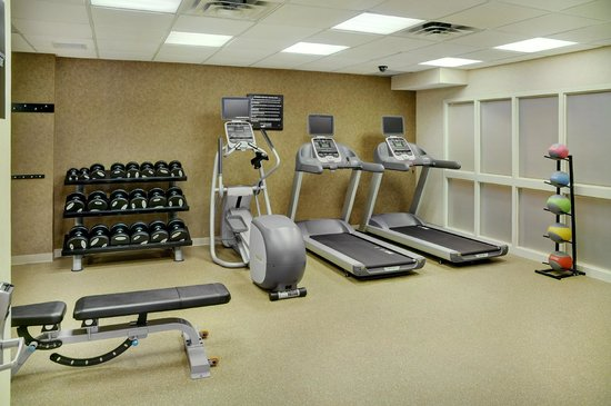 Homewood Suites by Hilton Burlington: Exercise room