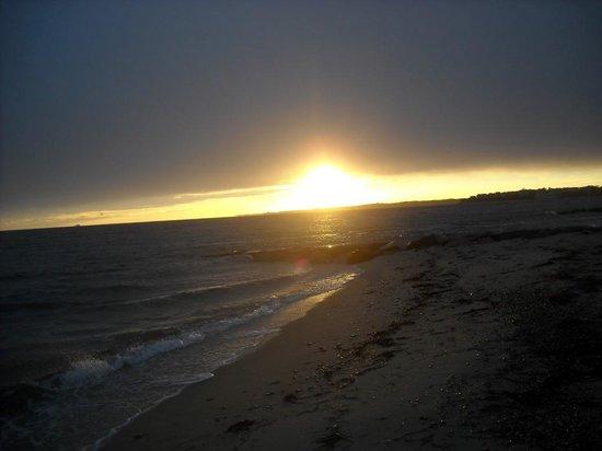InnSeason Resorts Surfside: Sunset at InnSeason Surfside